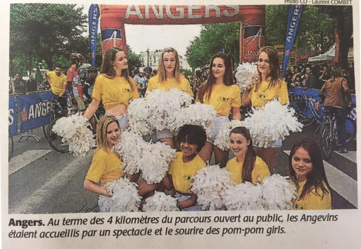 Les Cheers up sur le Tour de France à Angers